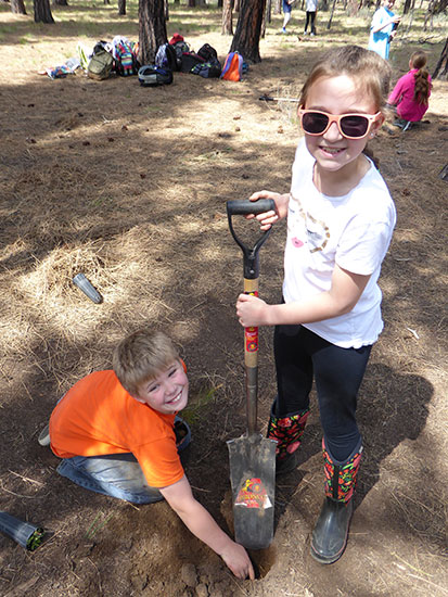Sisters Students Become Environmental and Community Stewards